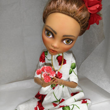 Restyle doll Frida Kahlo Mexican Folklore, upcycled OOAK art, Unique gift  Cinco de Mayo Fiesta host, doll collector, by Cat Encio Dolls