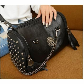 Vintage Shoulder Bag Skull Rivet Tassel Portable Lady Crossbody Satchel Messenger Bucket Women Lady Leather Wallet Clutch Long P