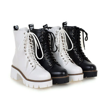 Lace Up Platform Chunky Heeled Motorcycle Boots 9607