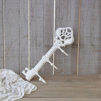 Key Holder Shabby Chic White Skeleton Hand Painted Cast