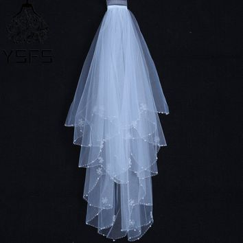 YSFS Lovely Two Layers White Ivory Short Bridal Veils Beaded Edge Bridal Wedding Veils With Comb Voile De Mariee Head Veils