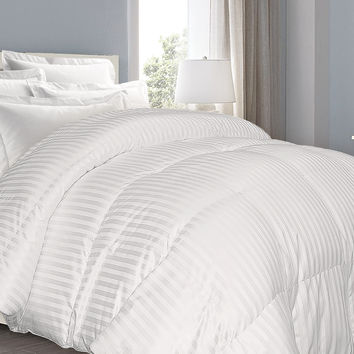 Supreme 350 TC Damask Stripe White Down Comforter: Twin