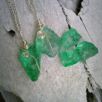 Emerald Necklace, green Crystal Jewelry, green Stone Necklace, May Birthstone, green seaglass Necklace, emerald, pendant, raw, crystal
