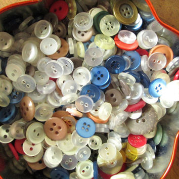 Buttons Lot destash tin box container sewing notions craft supplies inspiration kit gift for seamstress sewer crafter jewelry flower heart