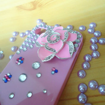 DIY deco finished handmade decoden bling crystal kawaii iphone 4 4s case. the pink rose case.pink case. gyaru rhinestone diamante jewelry.