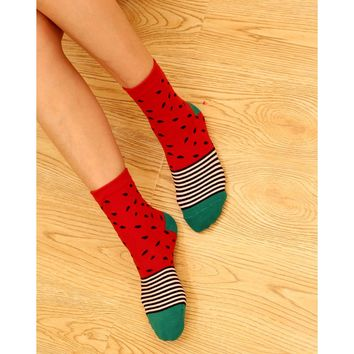 1 Pair Top Sell Novelty Fruit Pattern Watermelon Lemon Pineapple Personality Jacquard Cotton Women Socks Casual Cute Socks