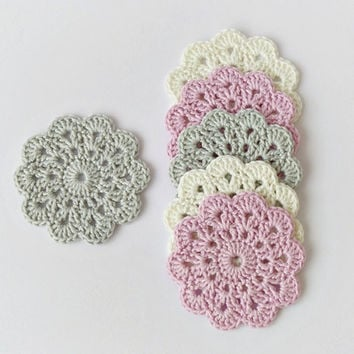 Crochet coasters, set of 6 pure cotton flower coasters in pastel colors, pink grey eco friendly drink coasters, wedding decor