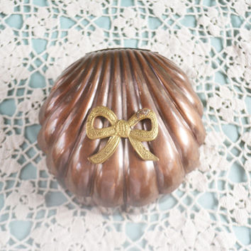 Copper Trinket Box, Clam Shaped Jewelry Box, Small Round Box with Lid