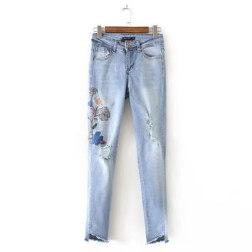 Women's Skinny Jeans Female Floral Embroidery Sequins Elastic Denim Long Trousers Women Slim Pencil Pants Vintage Ripped Jeans