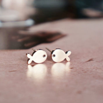 Little fish stud earrings - rose gold titanium