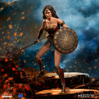 WONDER WOMAN ONE: 12 COLLECTIVE