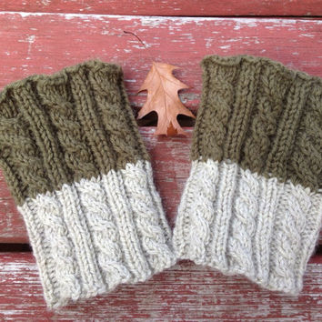 KNITTING PATTERN: 2 in 1 boot cuffs, cabled knitting pattern with 3 variations, for beginners with some experience