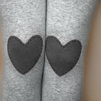 Red heart patched leggings, tights in grey