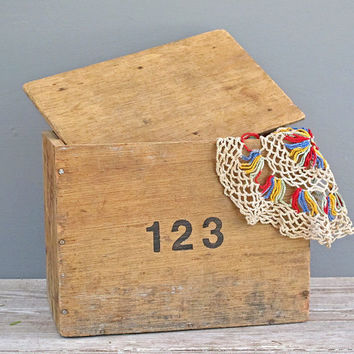 handmade vintage wood box with lid and by KatyBitsandPieces