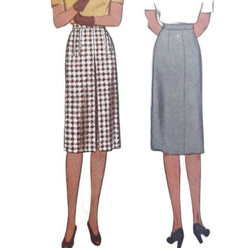 Vintage McCall's Sewing Pattern/ Ladies Straight Skirt/1940's/Pleated Front/Clothing Pattern/Printed Pattern/Uncut/Vintage Pattern