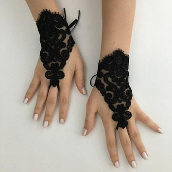 Black Lace Gloves, Glove Goth Wedding Gloves, Black Lace gloves,  cuff wedding, bride, bridal gloves, cuffs, Fingerless Gloves, off cuffs,