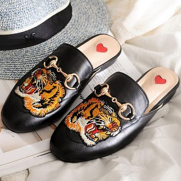 GUCCI Trending Women Tiger Head Embroidery Print Casual Cute Slippers Sandals Shoes Black Tiger Head