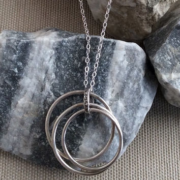 Sterling silver 3 circle necklace