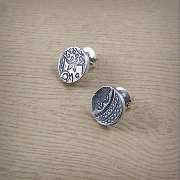 Paisley Pattern Earring Studs - Cute Stud Earrings - Rustic Wedding - Circle Earrings - Minimalist Jewelry - Silver Studs - Paisley Earrings