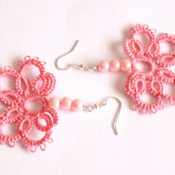 Pink Tatted Earrings with Pearls, Half Flower Tatted Lace Earrings, Light Pink Flower Tatting Earrings, Bridal Lace Earrings with Pink Pearl