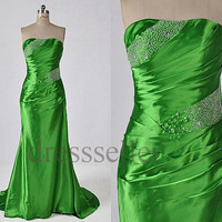 Custom Green Beaded Long Prom Dresses Fashion Evening Gowns Formal Party Dresses Wedding Party Dress Formal Wear Elegant Evening Dress