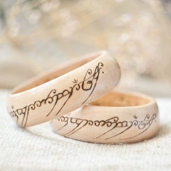 Woodburned  bangle  - Lord of The Rings inspired Bracelet - The One Ring Pyrography Bangle - Ring of Power Wooden Bracelet
