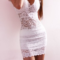 Sexy V-neckline Short Sleeve Lace  Dress
