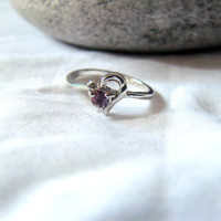 Delicate Vintage Silver Tone and Pale Purple Stone Costume Ring