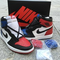 Nike Air Jordan 1 Retro High OG Top 3 555088 026