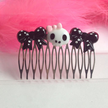 SALE Kawaii barrette Rockabilly hair comb Emo skull hair clip with PrincesSALE Skull and polka dot bows Silver comb updo
