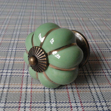 Ceramic Knobs Light Green Golden Antique Brass / Dresser Drawer Knobs Pulls Handles / Cabinet Handle Pull Knob / Vintage Furuniture Hardware