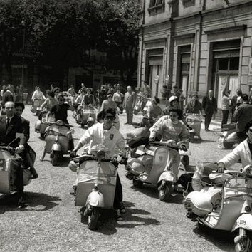 Vespa Scooter Start the Rally Reproduction Photograph 8x10 inch