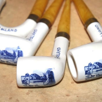 4 Vintage Delft Holland Pipes, Butterscotch Bakelite Handles, Porcelain Painted Blue, Antique Alchemy