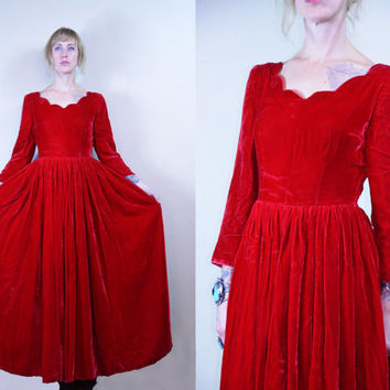 1940's Red Velvet Scalloped Collar Full Circle Holiday Dress