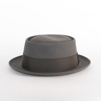 Vintage 60s Porkpie HAT / Men's 1960s Charcoal GRAY Royal Stetson Pork Pie fedora Hat 7 3/8