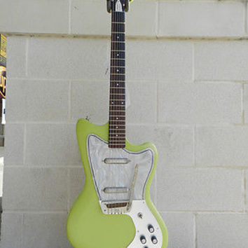 Danelectro Dead on '67 Hornet Reissue with Gig Bag