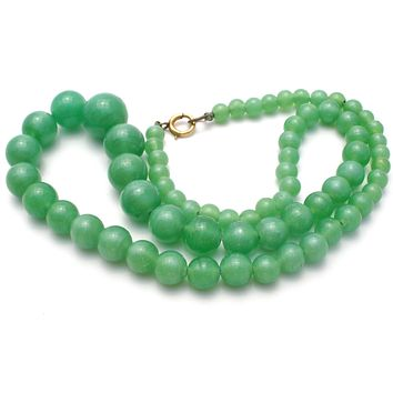 Vintage Graduated Green Glass Bead Necklace 19""