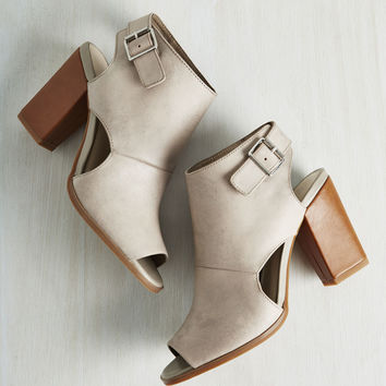 Seychelles Battery Leather Heel in Stone | Mod Retro Vintage Heels | ModCloth.com