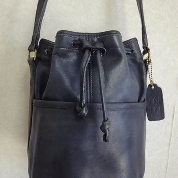 Vintage COACH navy genuine leather hobo bucket shoulder bag, classic purse. Made in U