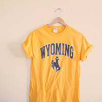 90's Wyoming Cowboys Gold Yellow Footbal  Vintage Tee  T-shirt Yellow  Men's Medium Oversized Slouchy Classic Old School  Yellow Tee UW