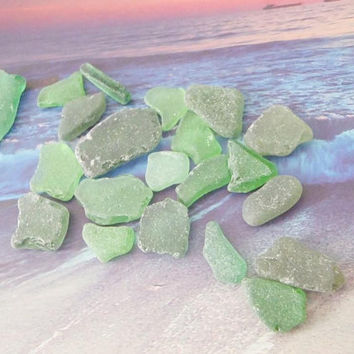 21 green sea glass italian kelly beach mermaid tears mediterranean beach wedding decor craft supplies jewelry mosaic tiles lasoffittadiste