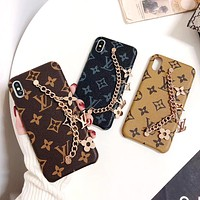 Free Shipping-LV Classic Old Flower Checkerboard Pattern Wrist Chain Metal Phone Case