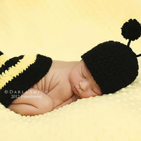 NEWBORN Baby Bumble Bee Hat & Tushie Topper Set by EternallyHooked