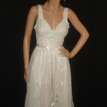 Vintage Gotham White Nightgown Peignoir Set w/ by snapitupvintage