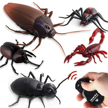 Remote Control Cockroach/Snake/Spider/Mouse & Scary Creepy Insects
