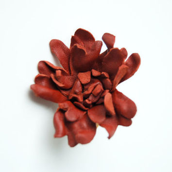 Dark terracotta leather flower ring by ModaMakovera on Etsy