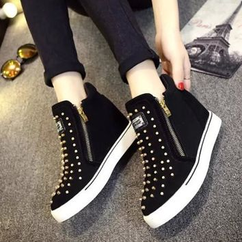 Black Round Toe Rivet Zipper Heavy-Soled Fashion Flat Shoes