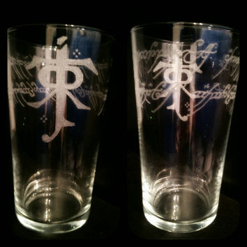 Lord of the Rings /Hobbit Pint Glass Hand Engraved, personalised, custom