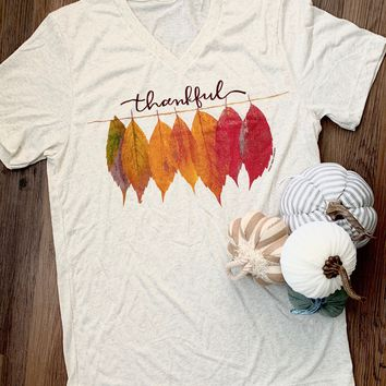 Thankful Leaves Graphic Tee (S-2XL)