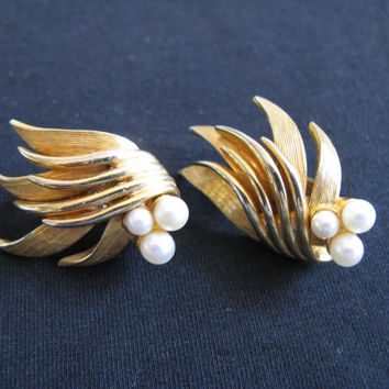 1960s Marcel Boucher Earrings Vintage Cultured Pearl Gold Tone Signed 60s Clip On Earrings